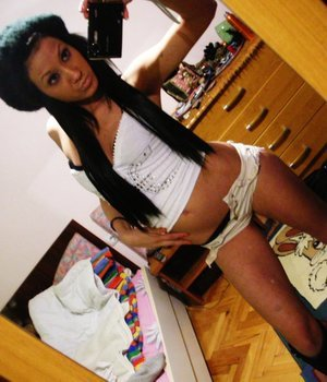 Carlota is looking for adult webcam chat