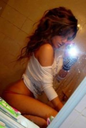 Porsche from Chesapeake, Virginia is looking for adult webcam chat