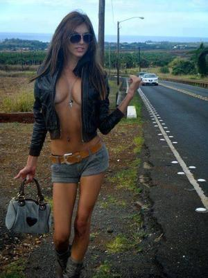 Lettie is looking for adult webcam chat