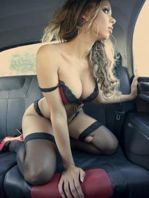 Aura from Ebony, Virginia is looking for adult webcam chat